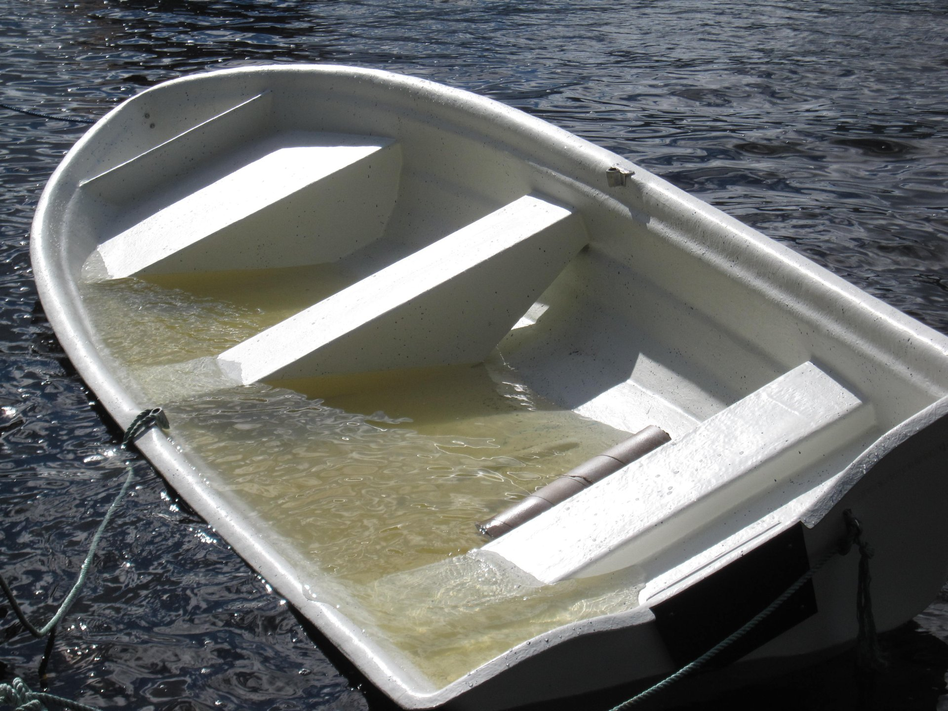 Denne båten skal CE-merkes. Fra test av båtens flyteevne i vannfylt tilstand